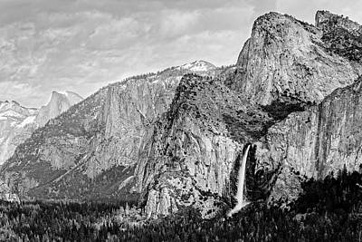 El Capitan Photograph - Black And Whitebridal Veil Falls Flowing Nicely At Yosemite National Park - Sierra Nevada  by Silvio Ligutti