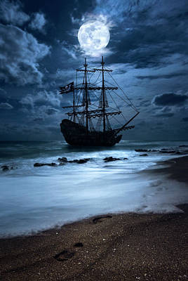 Black Pearl Pirate Ship Landing Under Full Moon Art Print