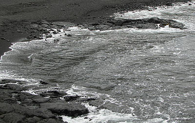 Photograph - Black Sand Beach On Hawaii by Bob Slitzan