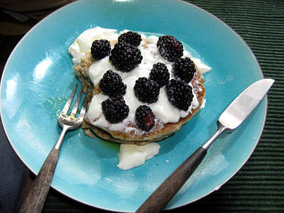 Photograph - Blackberry Breakfast by Sarah Hornsby