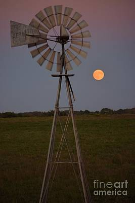 Photograph - Blood Moon And Windmill by Mark McReynolds