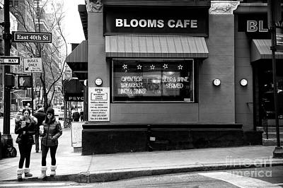 Photograph - Bloom Cafe by John Rizzuto