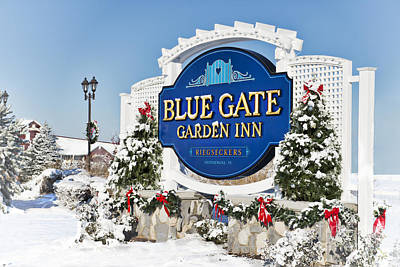 Photograph - Blue Gate Garden Inn by David Arment