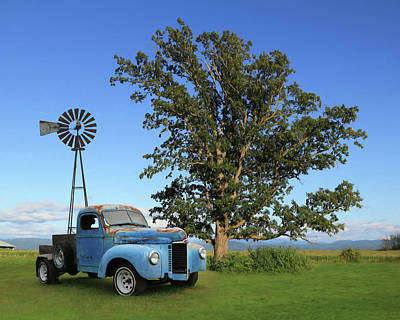 Photograph - Blue International Truck by Lori Deiter