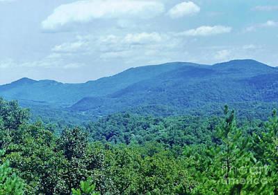 Photograph - Blue Mountain Beauty by D Hackett