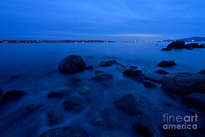 Photograph - Blue Overcast Evening At English Bay by Terry Elniski