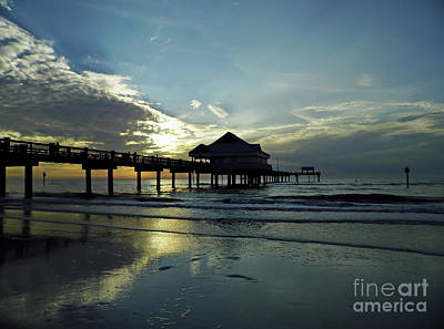 Photograph - Blue Pier 60 Sunset by D Hackett