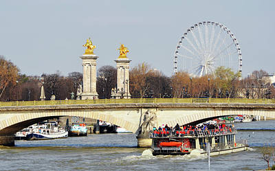 Photograph - Boat Passing Under Pont Des Invalides With Pont Alexandre Columns And Roue De Paris by Shawn O'Brien