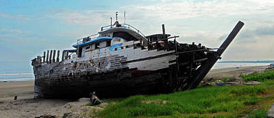 Photograph - Boat Yard 1 by Ron Kandt
