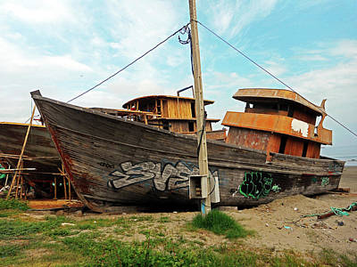 Photograph - Boat Yard 5 by Ron Kandt