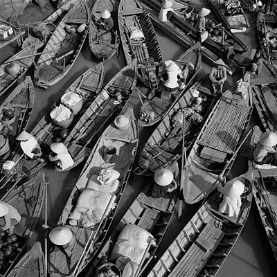 Crowd Scene Photograph - Boats, Hoi An, Vietnam by Huy Lam