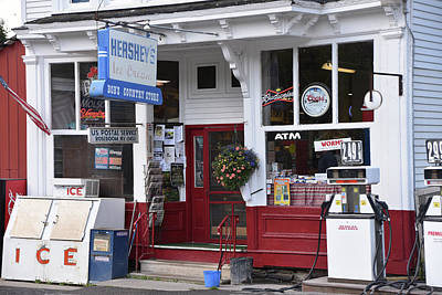 Photograph - Bob's Country Store by Mike Martin