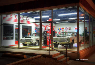 Photograph - Bobs Garage by Fred Lassmann