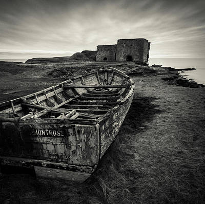 Boddin Point Wreck Art Print by Dave Bowman