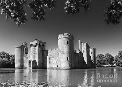 Bodiam Castle 1 Art Print by Ian Dagnall