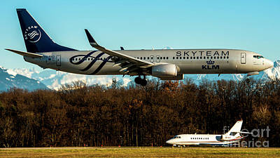 Commercial Photograph - Boeing 737-800 Sunset Klm Skyteam Livery Geneva by Roberto Chiartano