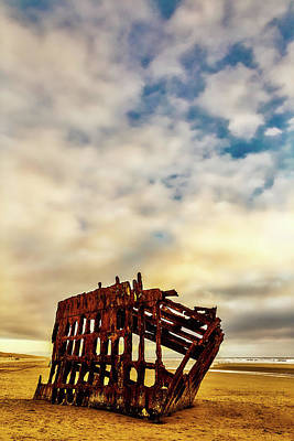 Peter Iredale Photograph - Bones Of A Shipwreck by Garry Gay