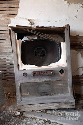 Old Tv Photograph - Boobtube by Amanda Barcon