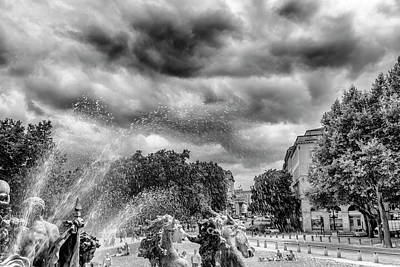 Bordeaux Fountains In The Park Art Print