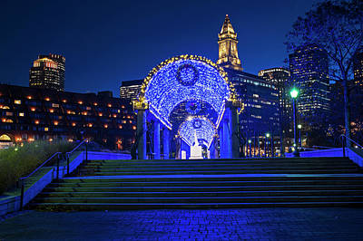 Boston Christopher Columbus Park Trellis Lit Up For Christmas Boston Ma Wreaths Print by Toby McGuire