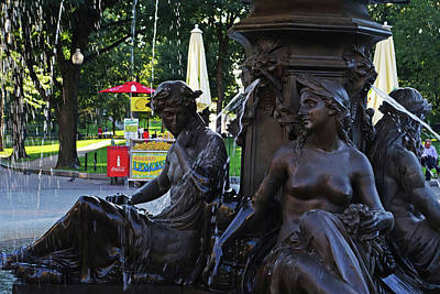 Photograph - Boston Common Fountain Boston Ma by Toby McGuire