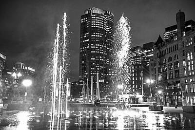 Photograph - Boston Greenway Fountain Boston Ma Splash Black And White by Toby McGuire