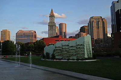 Photograph - Boston Ma Garden Wall On The Rose Kennedy Greenway by Toby McGuire