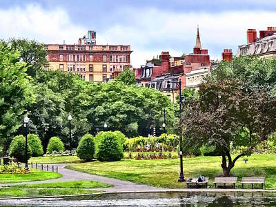 Photograph - Boston Ma - Relaxing In Boston Public Garden by Susan Savad