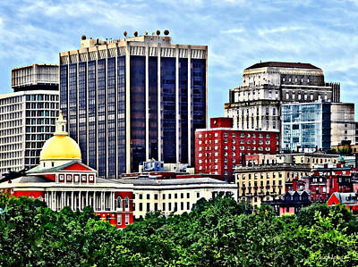 Photograph - Boston Ma - Skyline With Massachusetts State House by Susan Savad