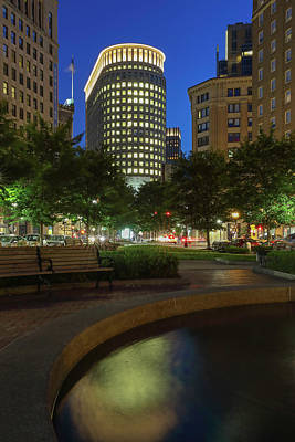 Art Print featuring the photograph Boston Statler Park  by Juergen Roth