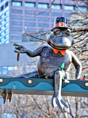 Photograph - Boston Thanksgiving Pilgrim Frog by Mike Martin