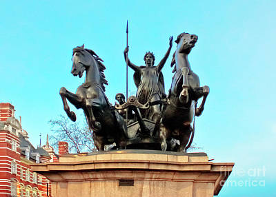 Boudicca Photograph - Boudicca On Westminster Bridge by Terri Waters