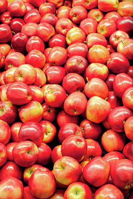Grocery Store Photograph - Bountiful Apples by Todd Klassy