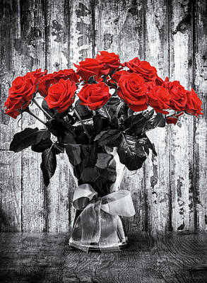 Selective Color Photograph - Bouquet Of Roses by Wim Lanclus