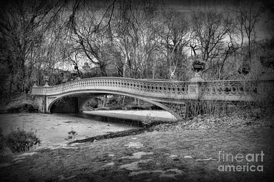 Bow Bridge In Black And White 2 Art Print by Paul Ward