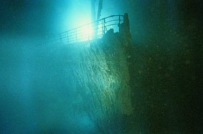 Bow Railing Of R.m.s. Titanic Art Print by Emory Kristof