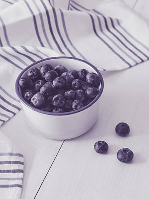 Photograph - Bowl Of Blueberries by Kim Hojnacki