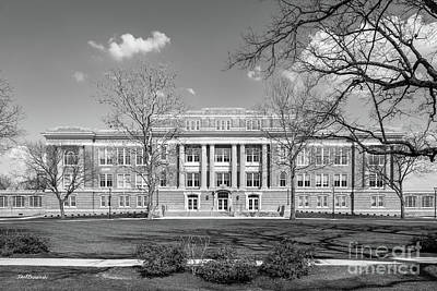 Photograph - Bowling Green State University University Hall by University Icons