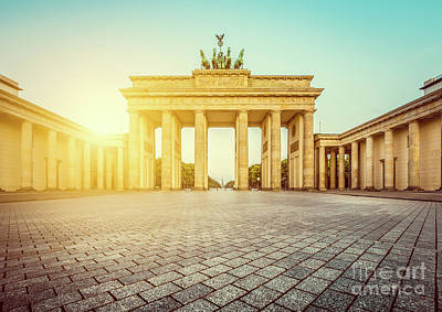Mauer Photograph - Brandenburg Gate Sunrise by JR Photography
