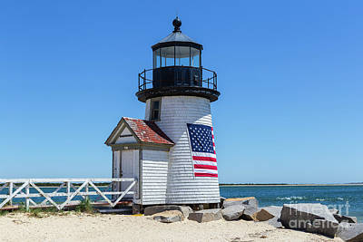 Photograph - Brant Point Lighthouse I by Clarence Holmes