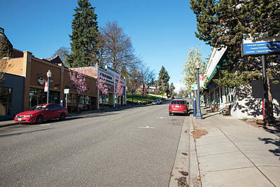 Photograph - Breakfast Is Around The Corner In Hood River by Tom Cochran