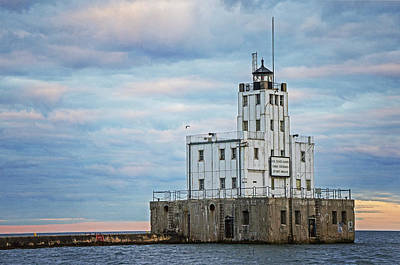 Photograph - Breakwater Milwaukee Lighthouse by Susan McMenamin
