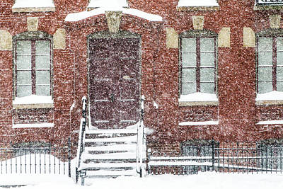 Photograph - Brick Rowhome In Snow by SR Green