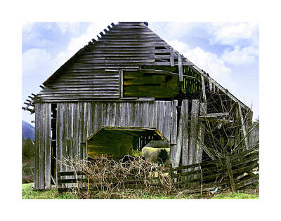 Bridge Creek Barn Art Print by Susan Leggett