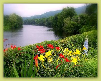 Shelburne Falls Photograph - Bridge Of Flowers by Linda Galok
