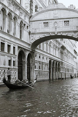 Bridge Of Sighs And Gondola, Venice, Italy Art Print by Richard Goodrich