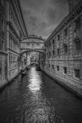 Photograph - Bridge Of Sighs by Roberto Pagani