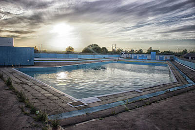 Poolside Photograph - Brightlingsea Lido by Martin Newman