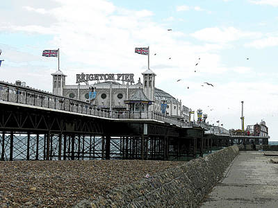 Photograph - Brighton Pier, England by Tom Conway