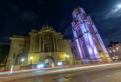 Photograph - Bristol Museum And Art Gallery Beside Wills Memorial Building by Jacek Wojnarowski